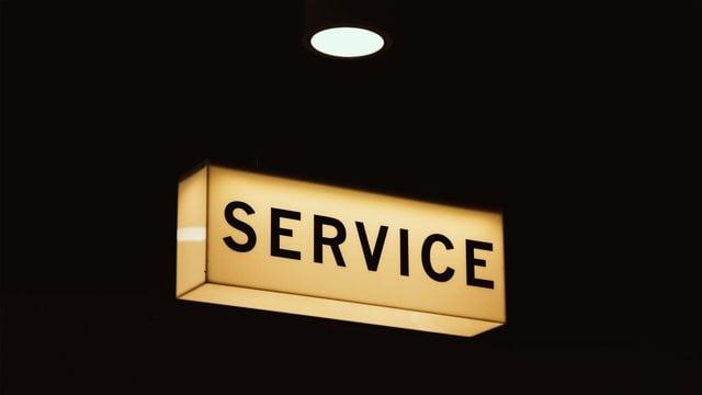"""Placa luminosa escrito """"Service"""""""